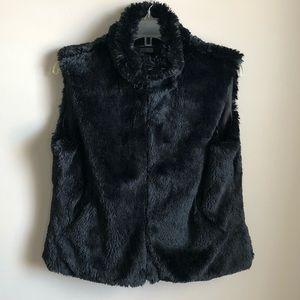Cejon Black Faux Fur Vest